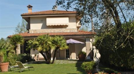 Villa via del Lago 53, Pietrasanta