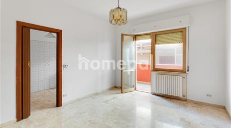 Appartamento luminoso fronte mare
