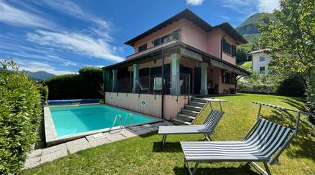 Graziosa villetta indipendente, piscina e giardino