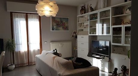 Casa Bifamiliare, Trifamiliare in Vendita in Via Bianco da Lanciolina 1 a Loro Ciuffenna