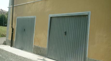 Garage, Posto Auto in Vendita in Via Alba 117 a Canelli