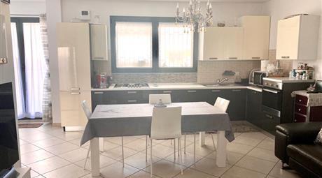 Appartamento Città Sant'Angelo zona iper