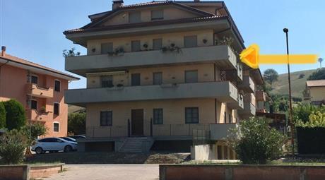 Appartamento di 120mq con balconi e garage