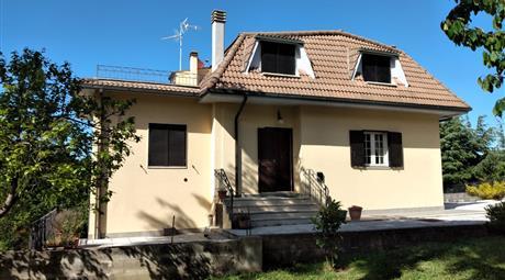 Villa in Vendita in Via Campotondo 13 a Castiglione d'Orcia
