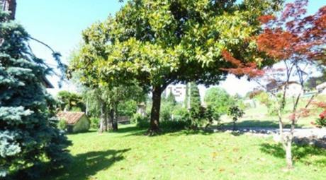 Villa in Vendita in Via Europa Unita 2 a Brezzo di Bedero