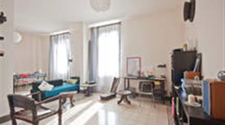 Grande appartamento con attiguo monolocale indipendente