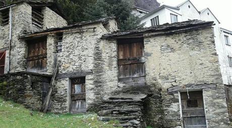 Rustico, Casale in Vendita in zona Teglio a Premana