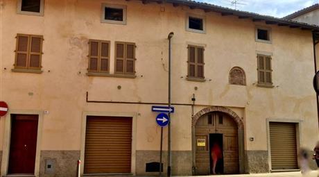 Palazzo/Stabile da ristrutturare