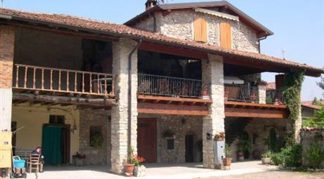 Casa di paese in vendita in via Parzani, 22, Adro