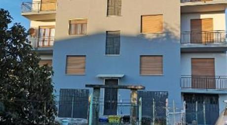 Privato vende appartamento in buone condizioni a Montanaro  a