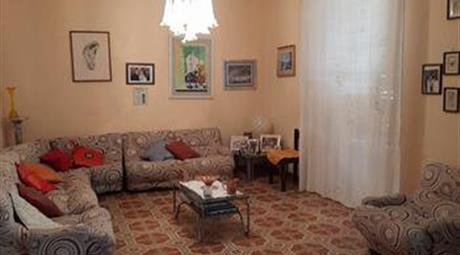 Vendesi appartamento molto grande in Via Porta Palermo a Bivona (AG)