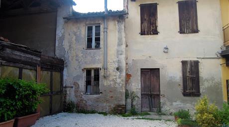 ABITAZIONE+CASCINALE nel centro a Livraga (LO)
