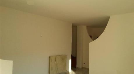 Casa indipendente in vendita in corso Trieste, 35, Telese Terme