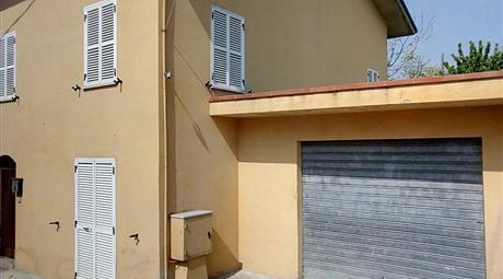 Casa singola composta da 1pianoterra ed un piano superiore
