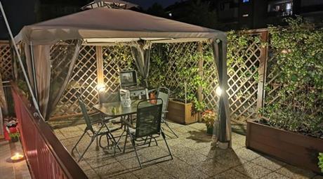 Appartamento con giardino e cortile privato