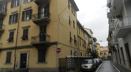 Migliarina, Via Mozzachiodi, 4 locali
