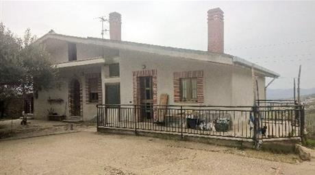 Casa indipendente in vendita in via Enrico Mattei, 1 Montesarchio