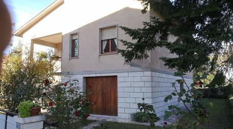 Villetta indipendente a Monticiano 220.000 €