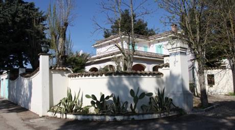 Villa contrassegnata dal civico n. 5, fg. 21, part. 604