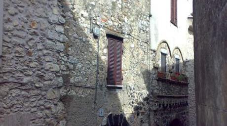 Veroli centro storico appartamento su tre livelli