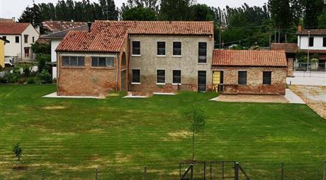 Casale in vendita a Anguillara Veneta