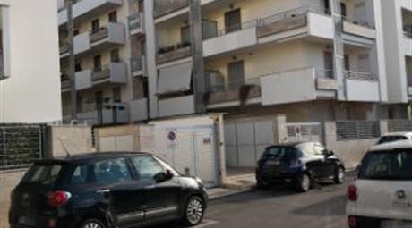 Affitto con riscatto Box auto 23mq zona via Quasimodo