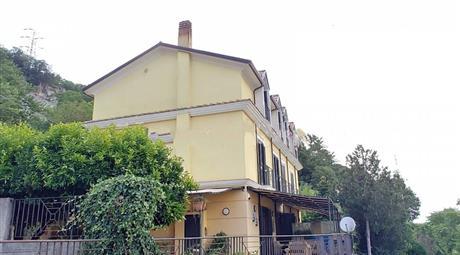 Villa plurifamiliare via Giovanni Amendola, Pellezzano € 300.000