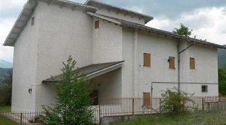 Splendido Casale in affitto nel parco maiella 850 EURO