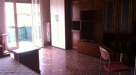 Privato vende appartamento