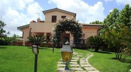 Villa in vendita, Bracciano
