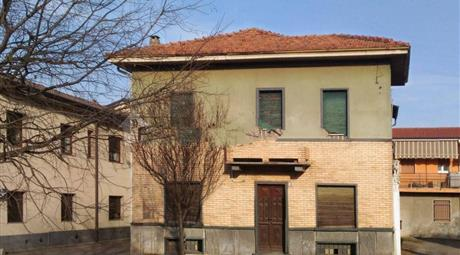 Vendesi villa bifamiliare