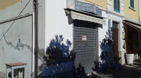 Vendesi locale commerciale Loreto Aprutino (PE)