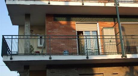 Luminoso bilocale con ampi balconi