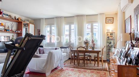 Introvabile appartamento su due livelli in pieno centro