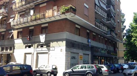 Negozi attigui al Portuense