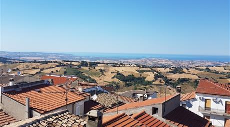 Casetta con terrazzo vista mare