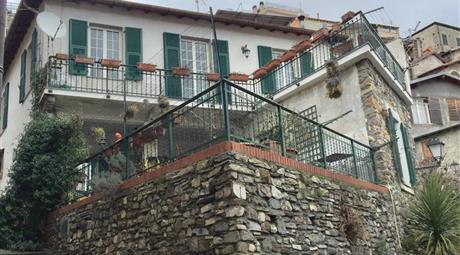 Villa indipendente andagna, molini di triora