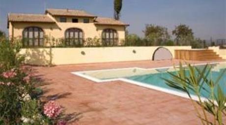 Vendo 3 casali con 9 appartamenti a Creti di Cortona