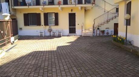 Casa bifamiliare in vendita via Carducci 260.000 €