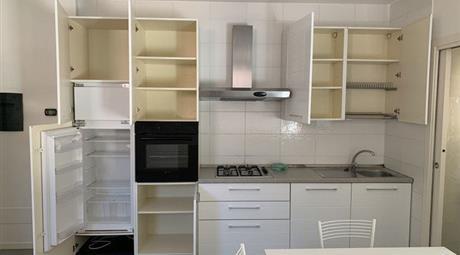 Appartamento in Vendita in Via Cavour 35 a Cattolica