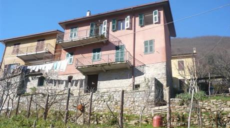 Appartamento via 4 Novembre 74, Riccò del Golfo di Spezia