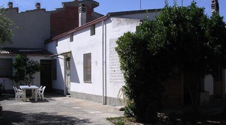 Casa per abitazione con ampio cortile a Pesus