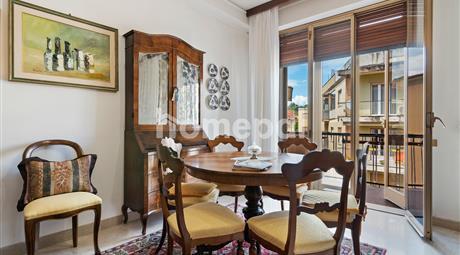 Ampio appartamento signorile con terrazzo | Quartiere Giotto