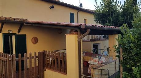 Casa Indipendente in Vendita in zona Polveraia a Scansano