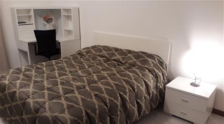 Camera di lusso in appartamento ristrutturato