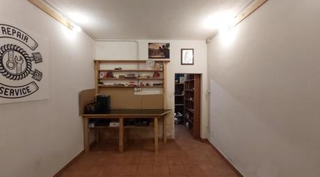 GARAGE 18,20 mq VIA LIMANA MODENA 25.000 €