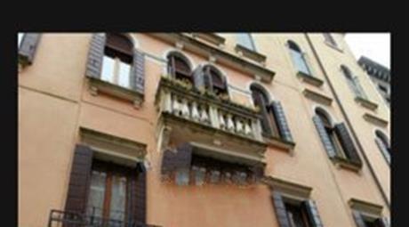 Quadrilocale in vendita in calle Vittorio Locchi, 3