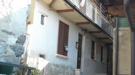 Casa Indipendente in Vendita in Via al Piano 4 a Miazzina € 75.000
