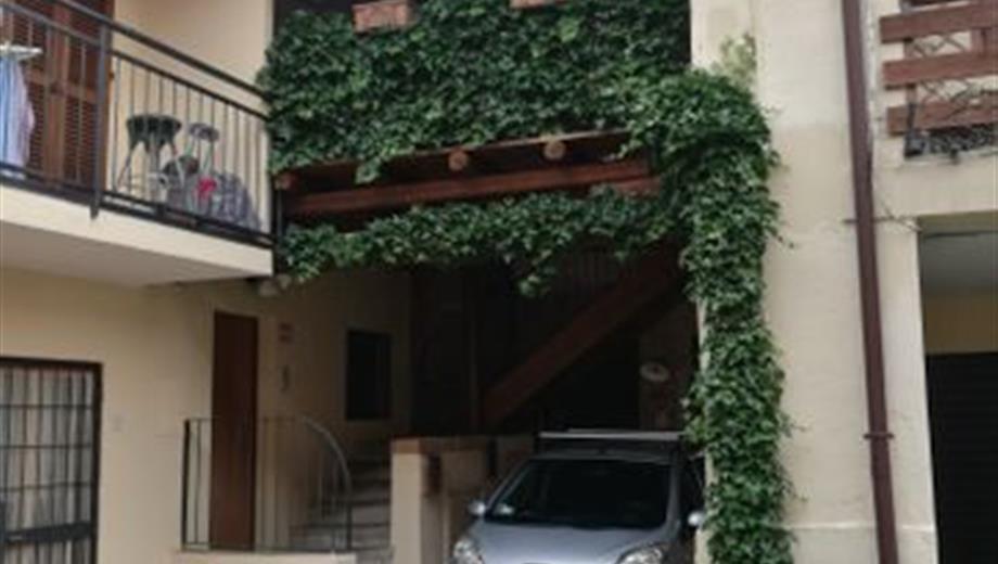 Bilocale in Vendita in Via Montello 57 a Inverigo