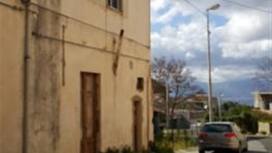 Casa indipendente da ristrutturare 45.000 €